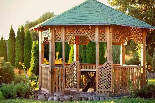 Budujemy Altanę Drewnianą W Ogrodzie Ogród